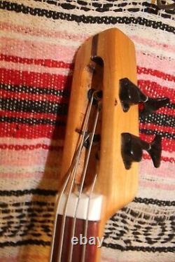 Bass Fretless 4 String Red Cedar Vee Wishbass 30 Short Scale Piezo PU