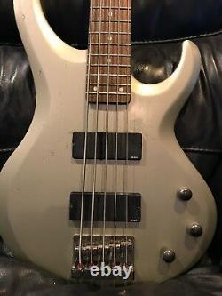 Ibanez BTB205 5 String Bass Guitar Excellent Condition! Pewter